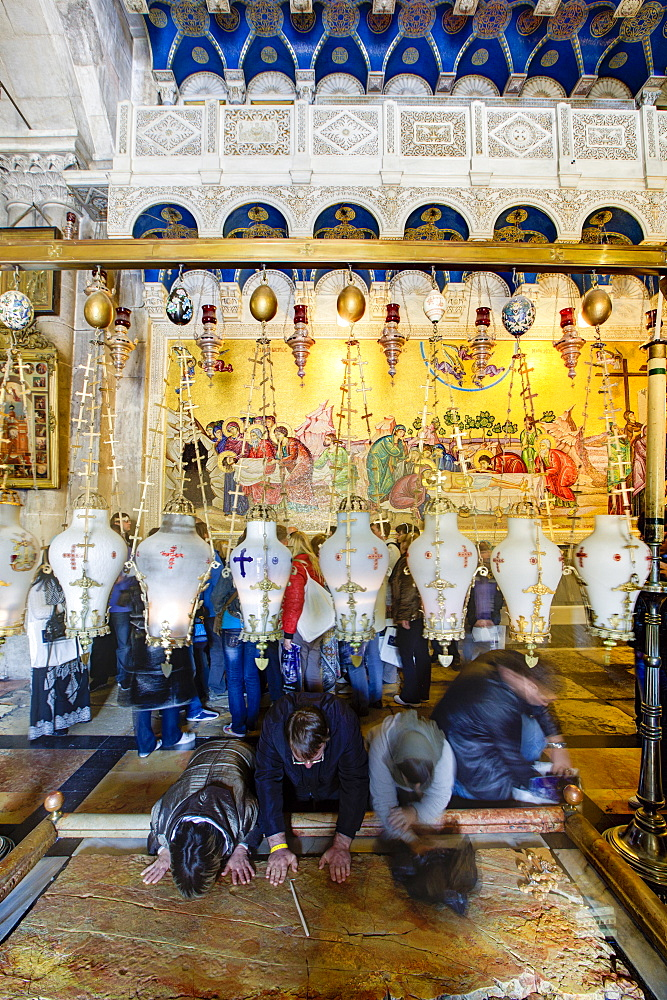 Stone of the Unction, Church of the Holy Sepulchre, Old City, UNESCO World Heritage Site, Jerusalem, Israel, Middle East