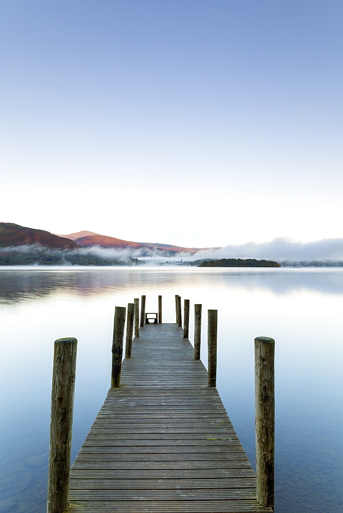 United Kingdom, England, Cumbria, Lake District National Park, Derwent Water, Wooden jetty at Barrow Bay landing - 794-4563