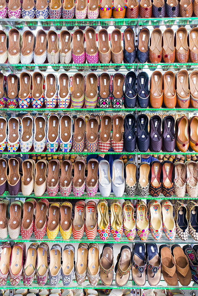 Traditional Indian slippers for sale, Amritsar, Punjab, India, Asia - 794-4597