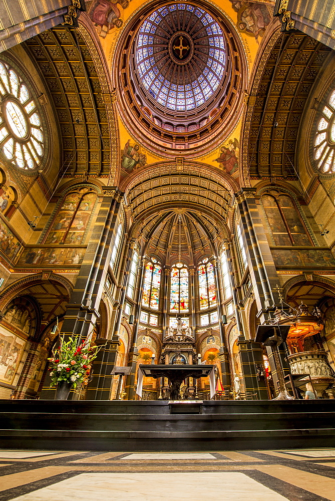 Saint Nicholas Basilica cathedral Amsterdam, Colland, Netherlands. - 796-2555