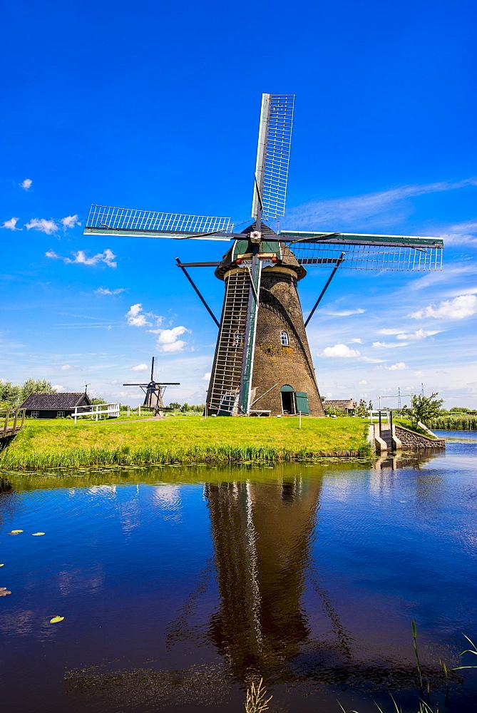 Windmill, Kinderdijk, UNESCO World Heritage Site, South Holland, Netherlands, Europe - 796-2557