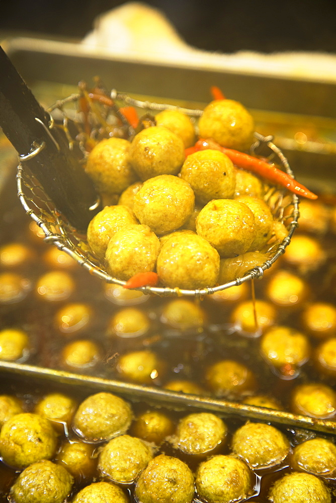 Curried fish balls, Mong Kok, Kowloon, Hong Kong, China, Asia