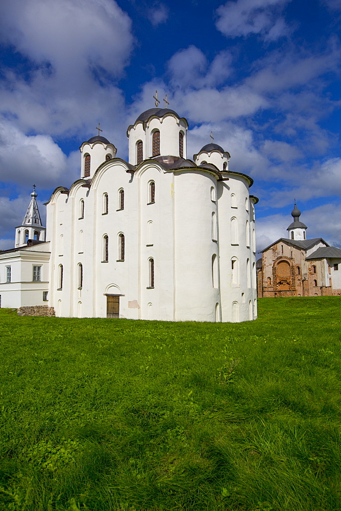 St. Nicholas Cathedral, built between 1113 and 1136, UNESCO World Heritage Site, Veliky Novgorod, Novgorod Oblast, Russia, Europe