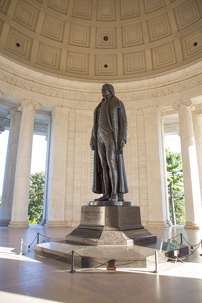 Statue of Thomas Jefferson, Thomas Jefferson Memorial, Washington D.C., United States of America, North America - 801-2446