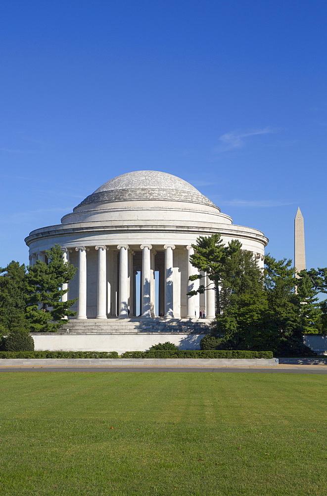 Thomas Jefferson Memorial, George Washington Memorial in the background, Washington D.C., United States of America, North America