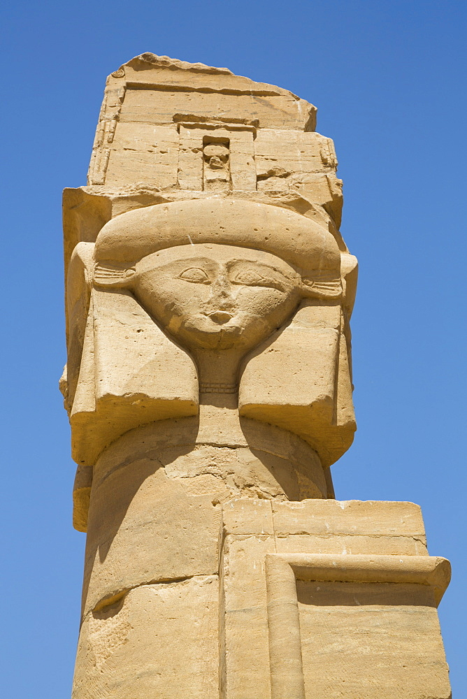 Hathor Headed Column, Chapel of Qartasa, Kalabsha, UNESCO World Heritage Site, near Aswan, Nubia, Egypt, North Africa, Africa