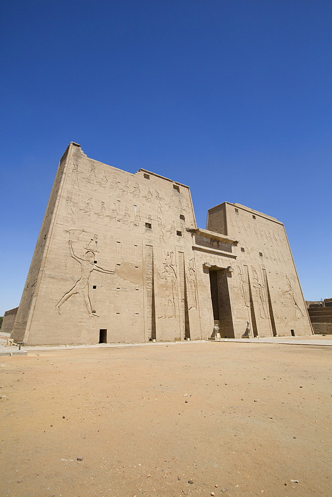 First Pylon, Temple of Horus, Edfu, Egypt, North Africa, Africa