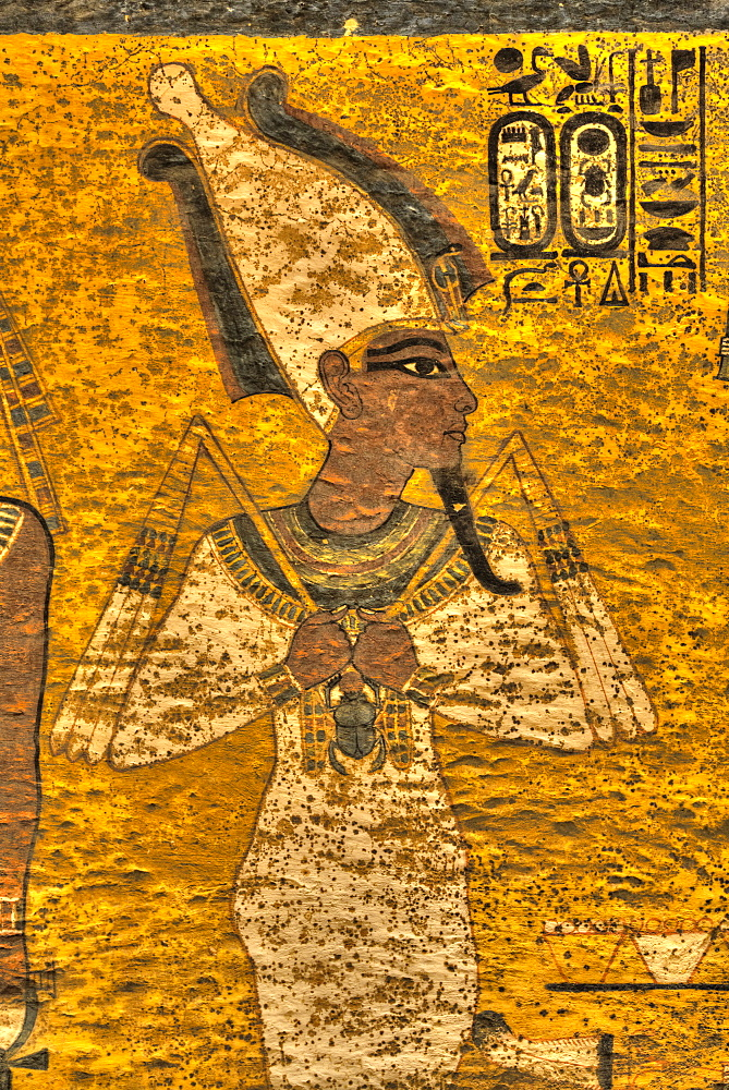 King Tut in the form of Osiris, Tomb of Tutankhamun, KV62, Valley of the Kings, UNESCO World Heritage Site, Luxor, Thebes, Egypt, North Africa, Africa