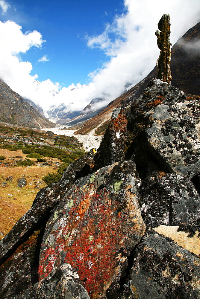 Mani-stone and mani-wall, Solukhumbu, Nepal, Himalayas, Asia - 802-445