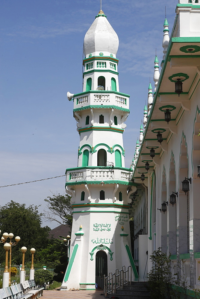 The minaret, Jamiul Azhar Mosque, Chau Doc, Vietnam, Indochina, Southeast Asia, Asia