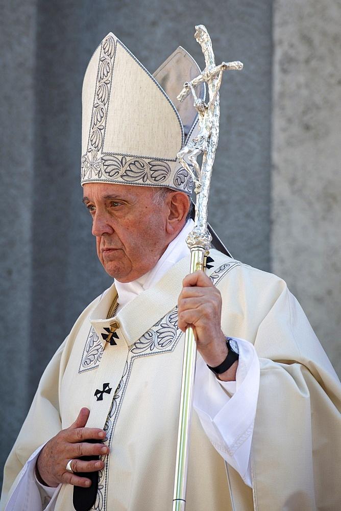 Pope Francis celebrates a Mass for the Feast of Corpus Christi (Corpus Domini) in the parish of Santa Maria, Rome, Lazio, Italy, Europe