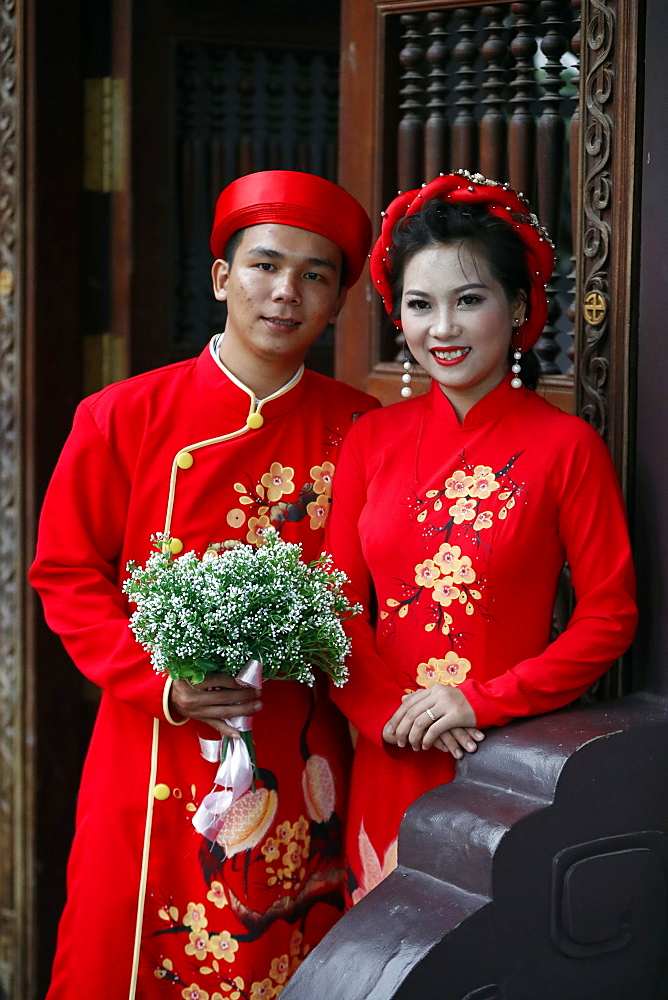 Traditional wedding at Thien Ung Buddhist temple, Quy Nhon, Vietnam, Indochina, Southeast Asia, Asia