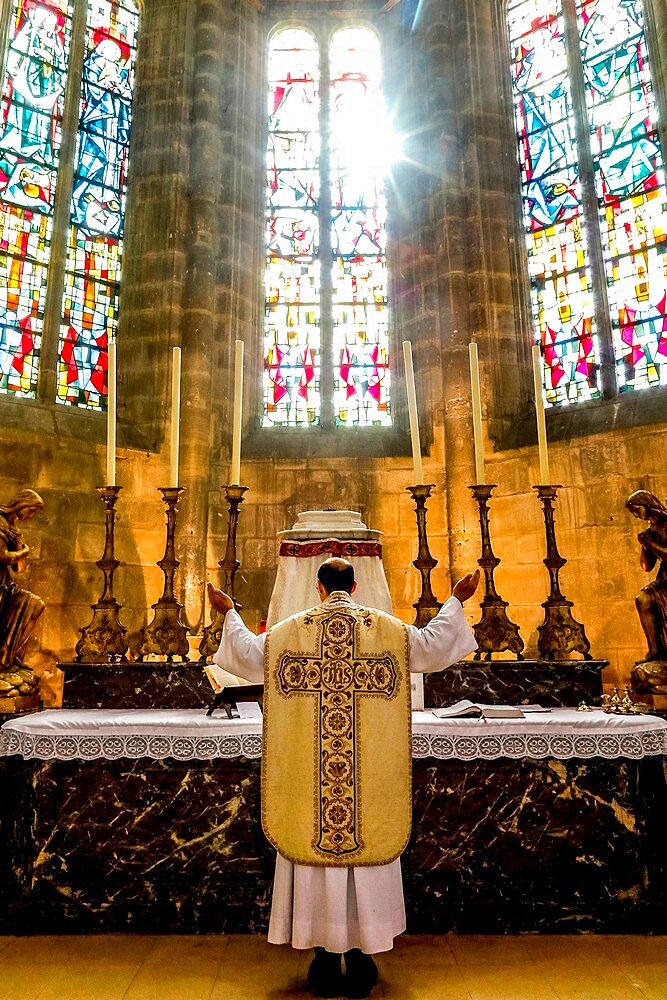 Mass in St. Nicolas's church, during 2019 lockdown, Beaumont le Roger, Eure, France, Europe - 809-8182