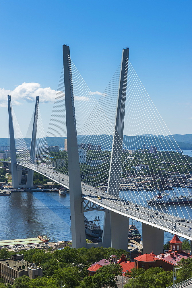 View over Vladivostok and the new Zolotoy Bridge from Eagle's Nest Mount, Vladivostock, Russia, Eurasia