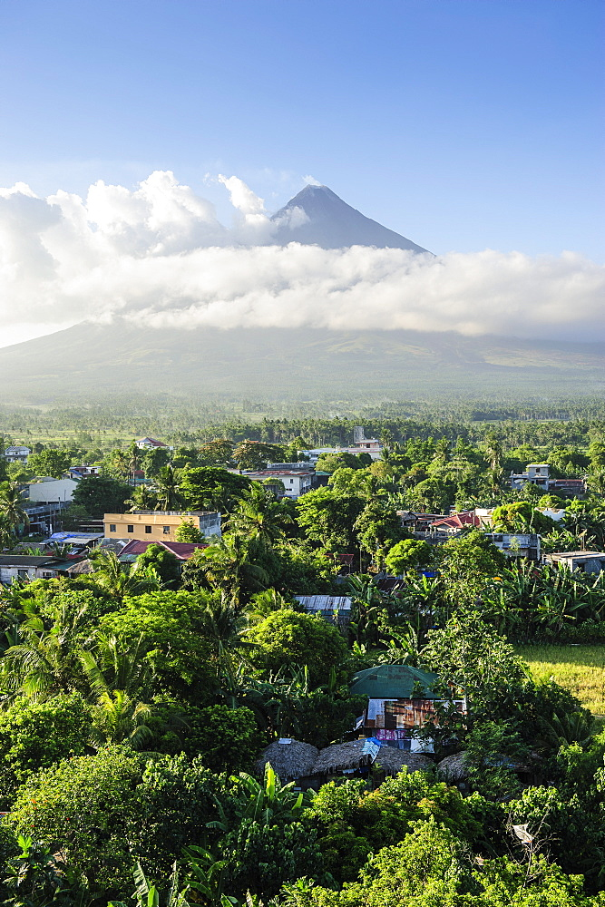 View from the Daraga Church over volcano of Mount Mayon, Legaspi, Southern Luzon, Philippines, Southeast Asia, Asia