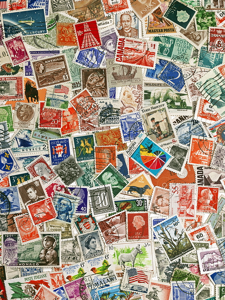 International postage stamps of the world - 818-1297