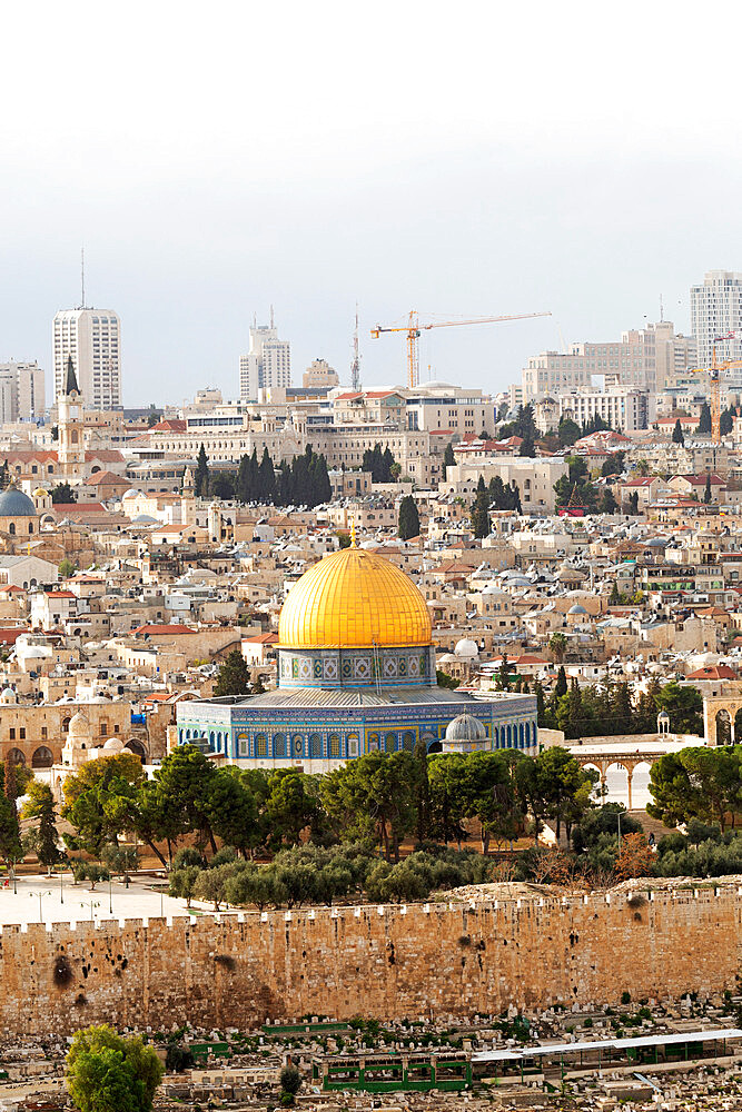 The Dome of the Rock, an Islamic shrine, in the Old City, UNESCO World Heritage Site, Jerusalem, Israel, Middle East - 826-747