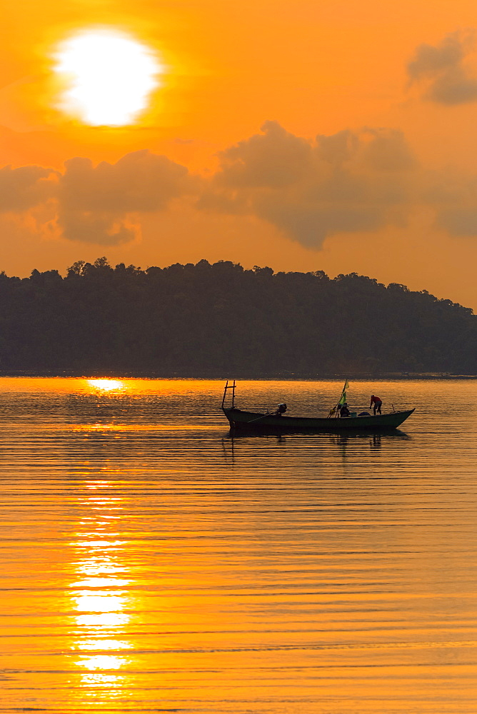 Fishing boat at dawn off the east coast of this holiday island, Saracen Bay, Koh Rong Sanloem Island, Sihanoukville, Cambodia, Indochina, Southeast Asia, Asia