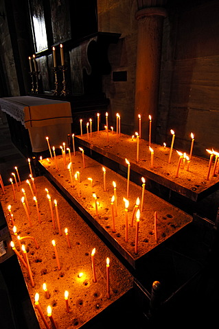 Bamberger-Dom, cathedral, candles inside, Bamberg, Upper Franconia, Bavaria, Germany