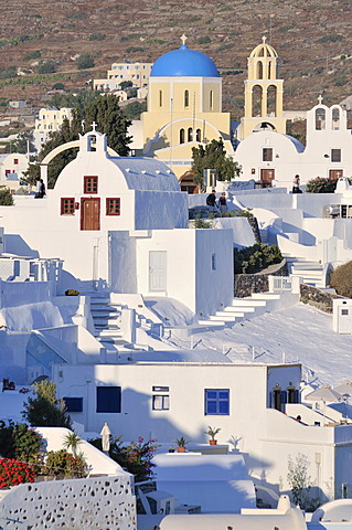 Typical Cycladic architecture, interlocked white houses and a dome church, Santorin, Cyclades, Greece, Europe