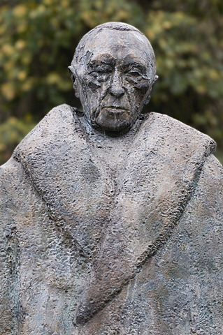 Statue of Konrad Adenauer, portrait, Cologne, North Rhine-Westphalia, Germany, Europe