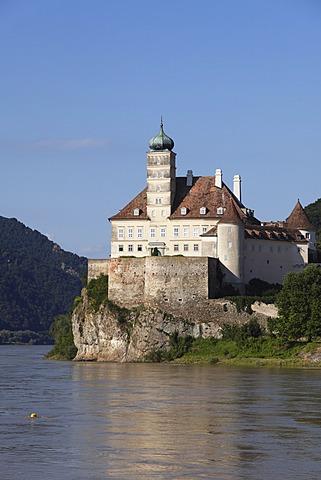 Schloss Schoenbuehel Palace on the Danube River, Wachau, Mostviertel, Lower Austria, Austria, Europe
