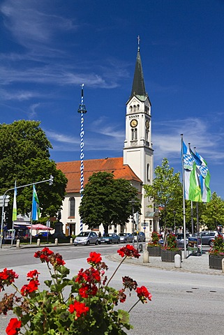 Town square and Church of St. Magdalena, Plattling, Deggendorf district, Lower Bavaria, Bavaria, Germany, Europe