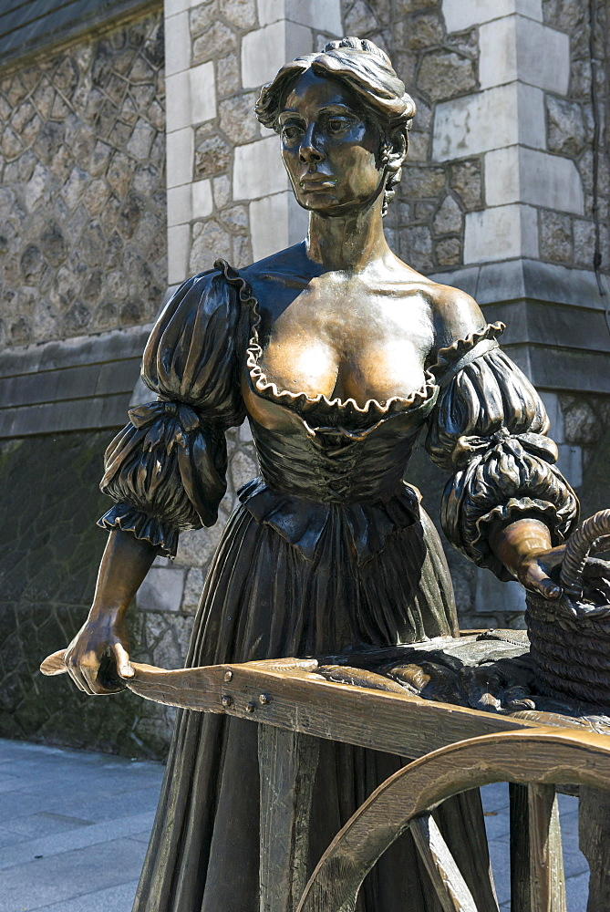 Molly Malone Statue, Suffolk Street, Dublin, Ireland, Europe