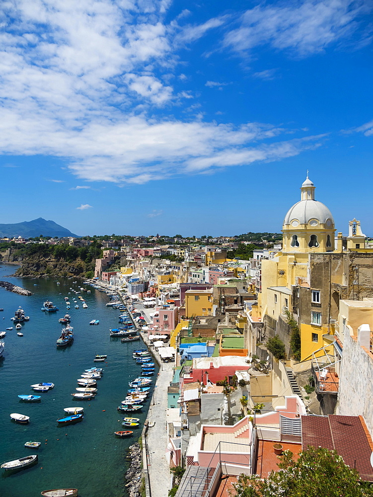 View of the island of Procida with its colourful houses, harbour and the Marina di Corricella, island of Procida, Phlegraean Islands, Gulf of Naples, Campania, Italy, Europe