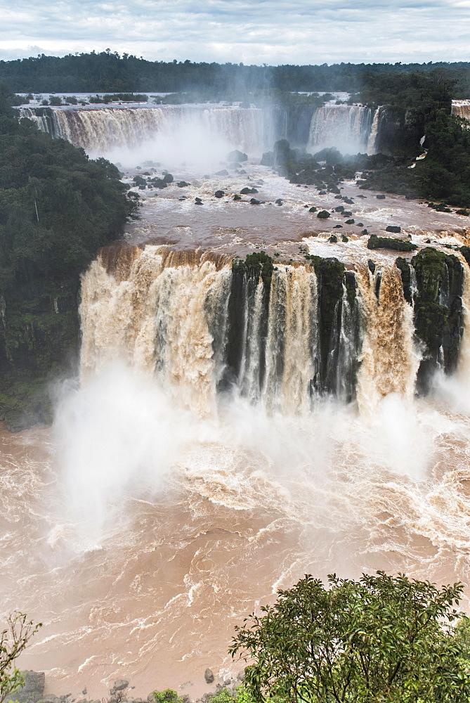 Musketeer Waterfall, Iguazú Falls, Iguazú River, border between Brazil and Argentina, Foz do Iguaçu, Paraná, Brazil, South America