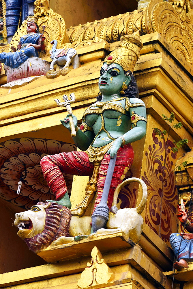 Colourful figure in the Hindu temple, Sri Muthumariamman, Matale, Central Province, Sri Lanka, Asia