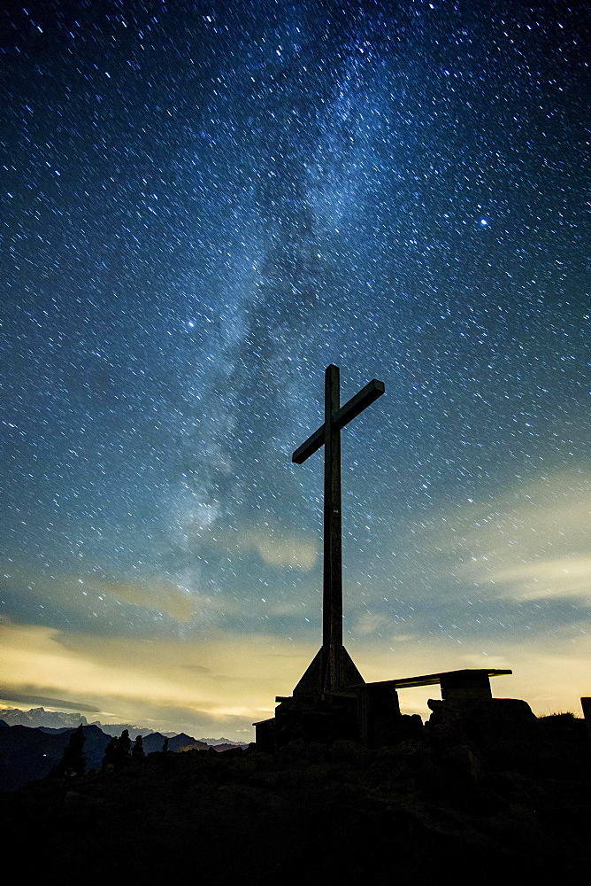 Summit cross at night on the Diedamskopf, starry sky with the Milky Way, Bregenz Forest, Vorarlberg, Austria, Europe