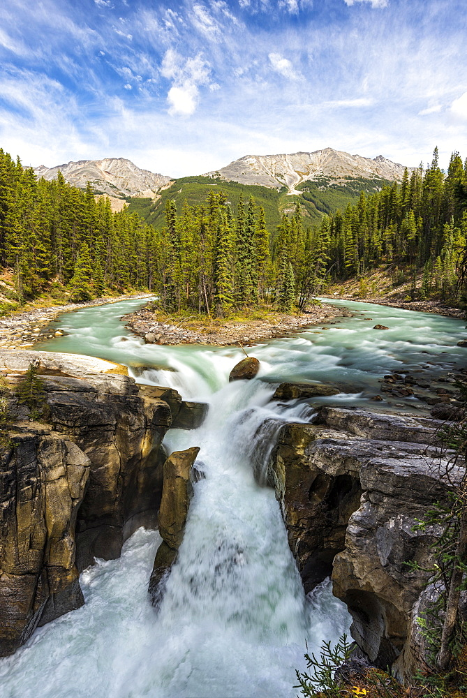 Sunwapta Falls, at Icefields Parkway, Highway 93, Sunwapta River, Jasper National Park, Rocky Mountains, Alberta, Canada, North America