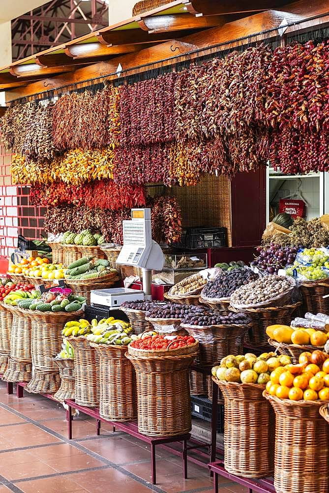 Stall with fruits and dried chilli peppers, chillies, market hall, Funchal, Madeira, Portugal, Europe