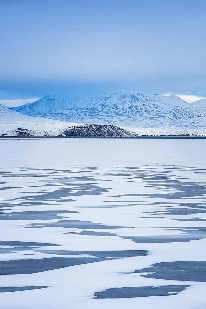 Snowy landscape at Pingvallavatn, Pingvalla Lake, Sudurland, Iceland, Europe