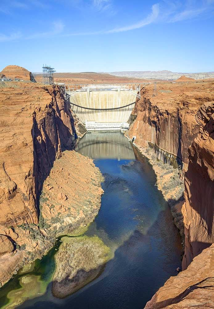 View of Glen Canyon Dam and Colorado River, Glen Canyon Dam Overlook, Lake Powell, near Page, Arizona, USA, North America