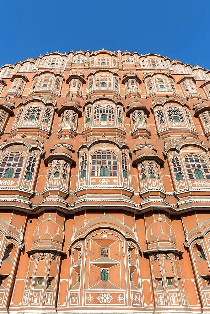 Frontal Facade of Hawa Mahal, Palace of Winds, Jaipur, Rajasthan, India, Asia