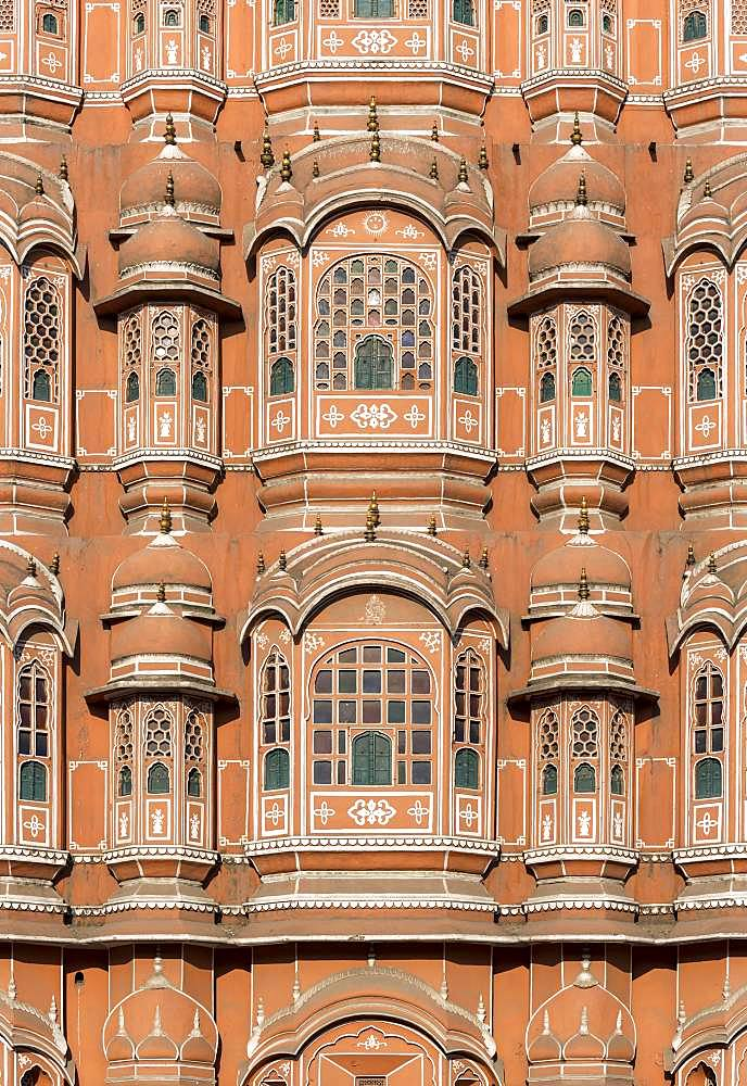 Close-up of facade of Hawa Mahal, Palace of Winds, Jaipur, Rajasthan, India, Asia