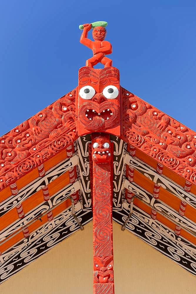 Wooden gable with traditional carving, House of Maori, Whakarewarewa, Rotorua, Bay of Plenty, North Island, New Zealand, Oceania