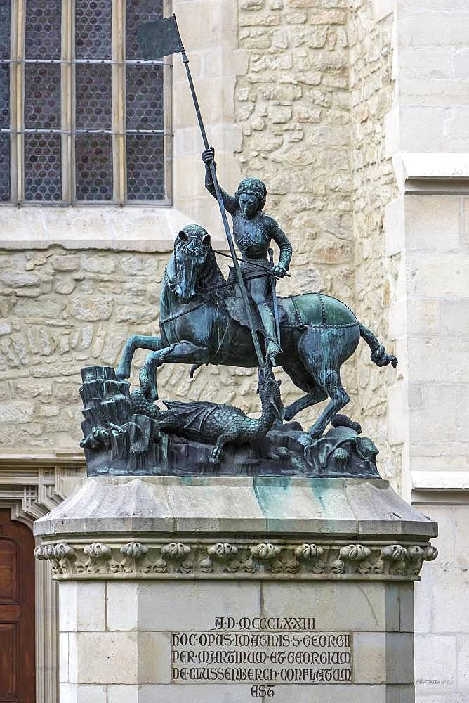 Sculpture of Saint George with the dragons in front of the Reformed Church in Wolfsgasse, Cluj-Napoca, Transylvania, Romania, Europe