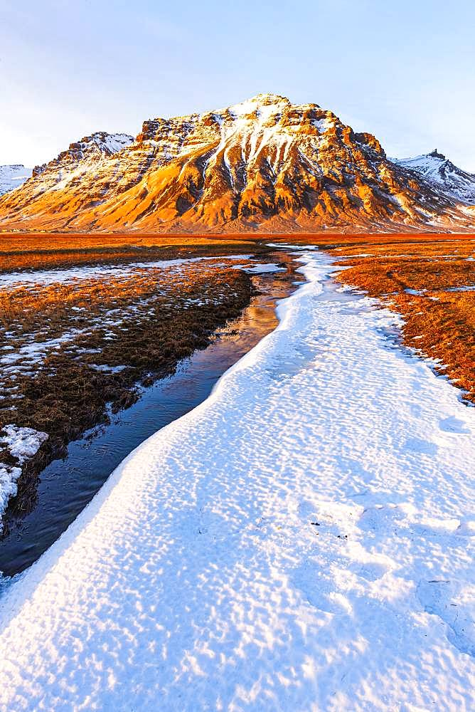 Mountain landscape at Myrdalsjoekull, Sudurland, South Iceland, Iceland, Europe