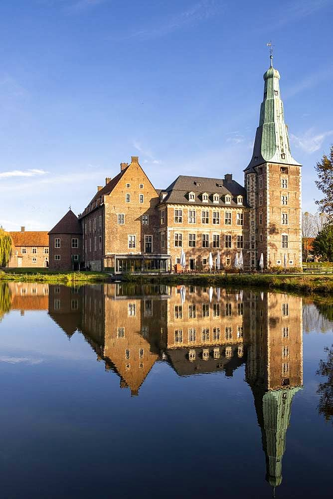 Wasserschloss Raesfeld, Muensterland, North Rhine-Westphalia, Germany, Europe