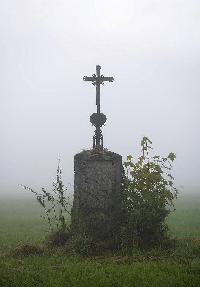 Wayside Cross in the Fog, Bichl, Upper Bavaria, Bavaria, Germany, Europe
