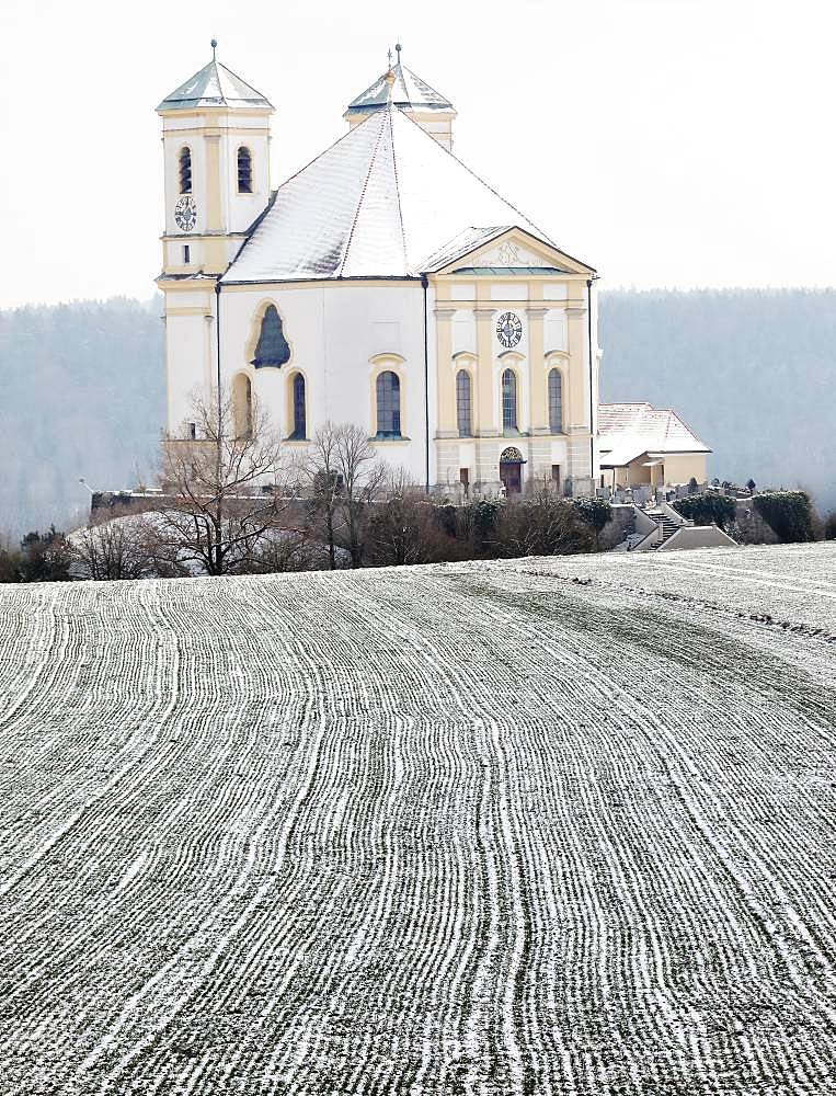 Pilgrimage church Marienberg in winter, Burghausen, Upper Bavaria, Bavaria, Germany, Europe