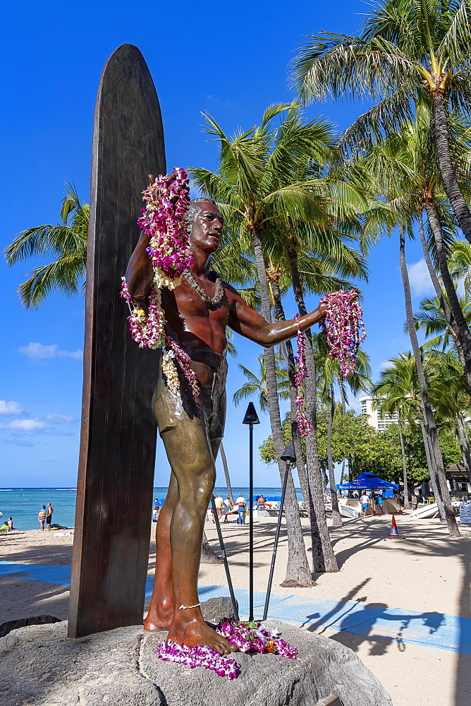 Duke Paoa Kahanamoku statue, Waikiki Beach, Honolulu, Oahu, Hawaii