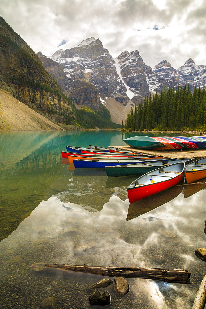 Tranquill setting of rowing boats on Moraine Lake, Banff National Park, Canadian Rockies Alberta, Canada, North America - 844-14379