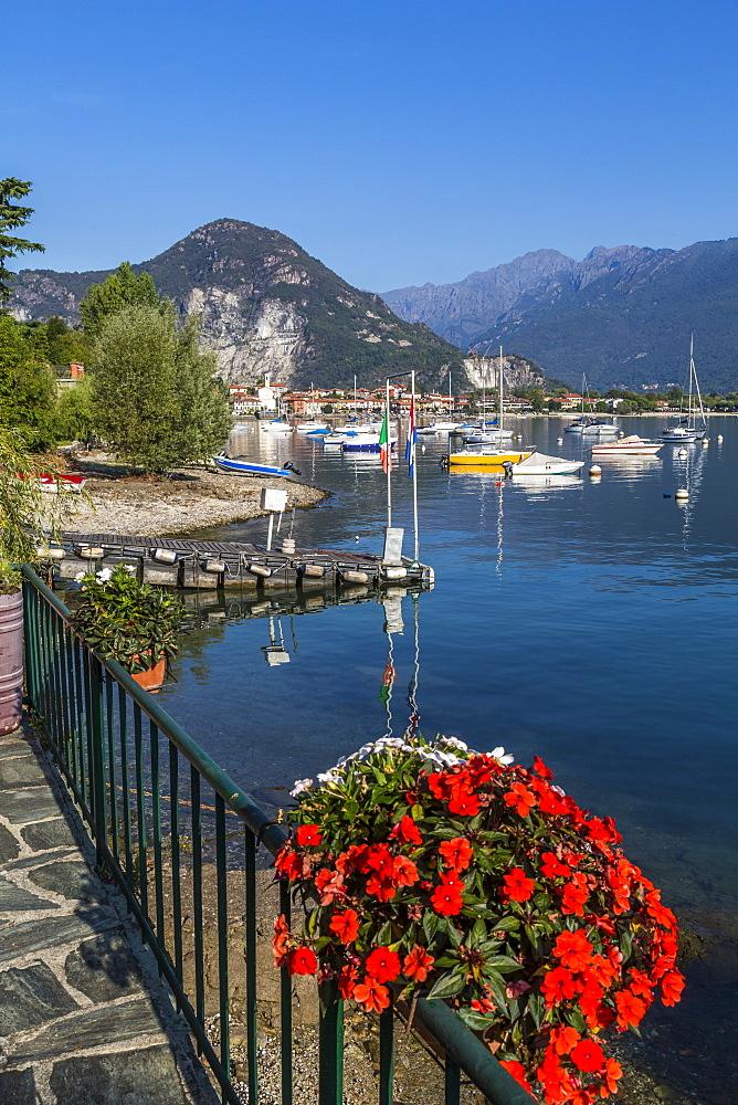 View of Feriolo and boats on Lake Maggiore, Lago Maggiore, Piedmont, Italy, Europe - 844-17879