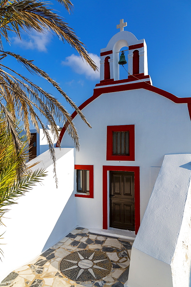 View of small traditional whitewashed church near Oia, Santorini, Greek Islands, Greece, Europe