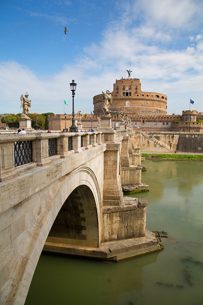 River Tiber and Castel Sant' Angelo, UNESCO World Heritage Site, Rome, Lazio, Italy, Europe