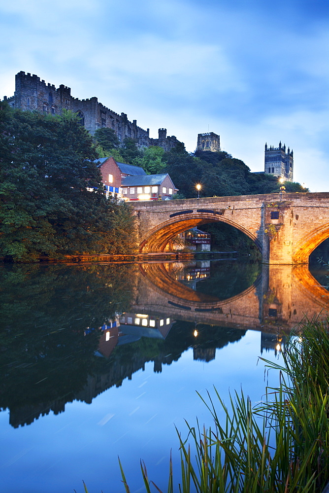 Durham Castle and Cathedral above Framwellgate Bridge, Durham, County Durham, England, United Kingdom, Europe - 845-1017